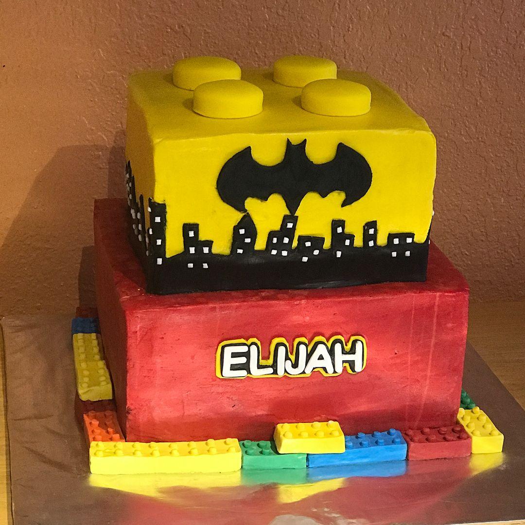 Lego Batman cake #legocake #batmancake #legobatman # ...
