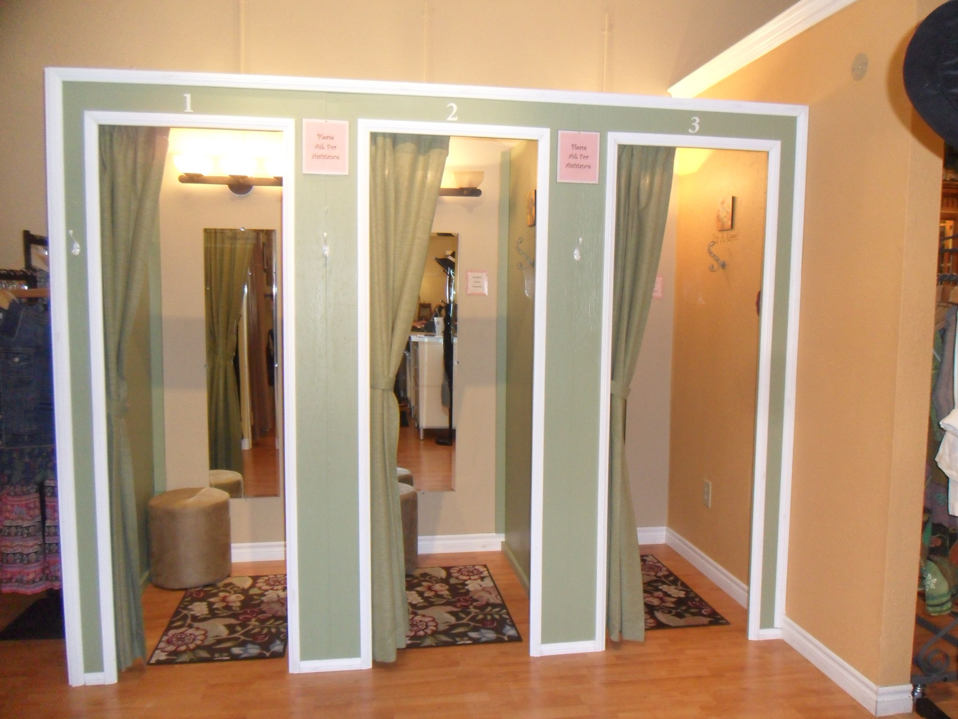 Dressing room ideas for a boutique dressing rooms for Dressing room interior