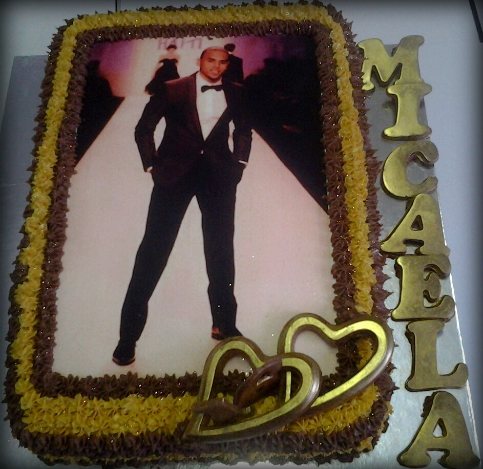 Stupendous Chris Brown Birthday Cake For 16 Year Old Micaela Chris Brown Personalised Birthday Cards Paralily Jamesorg
