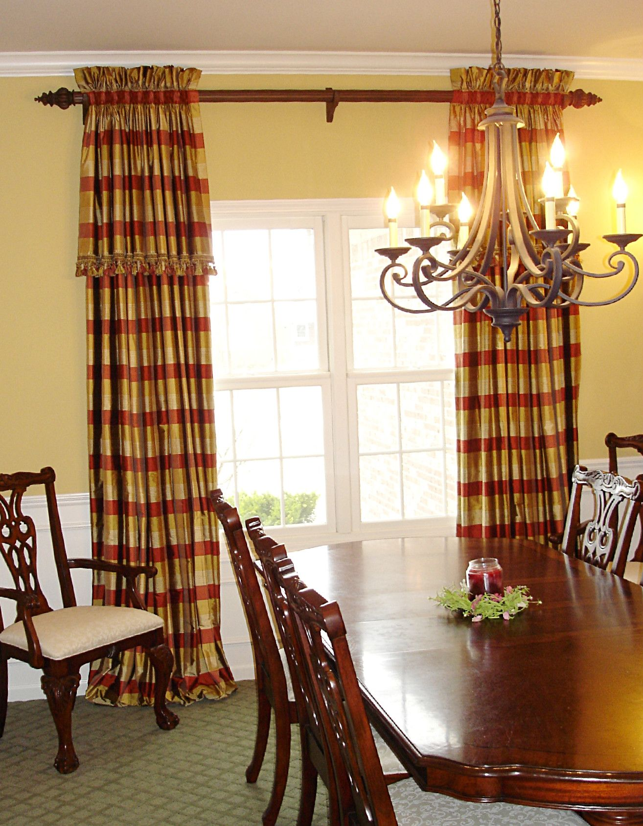 Elegant Dining Room Draperies | This Dining Room Is A Little Less Formal By  Shirring Plaid Silk Fabric .