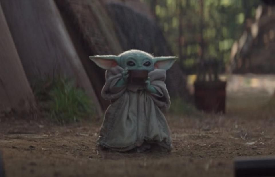 Baby Yoda Sipping Soup Is The Perfect Meme For Describing Your Mum At Christmas Yoda Meme Yoda Wallpaper Star Wars