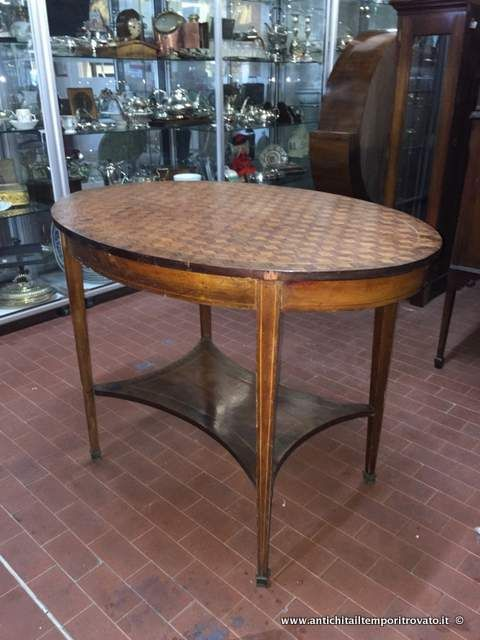 Mobili antichi tavoli e tavolini tavolino ovale in for Tavolo salotto
