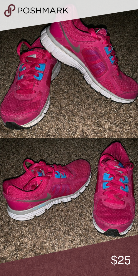 buy online 98a0f 92ec9 Nike Hot pink Nikes! Lightly worn. Still have lots of life left!