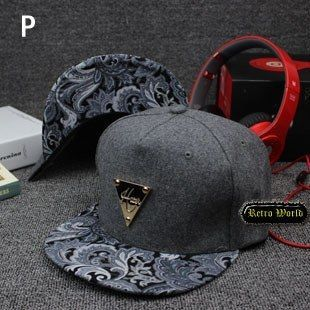 Hiphop Fashion Snapbacks Short Brim Bone Baseball Cap Gorra For Women Men Chapeu Hip Hop Casquette Snap Back Style Hat S383