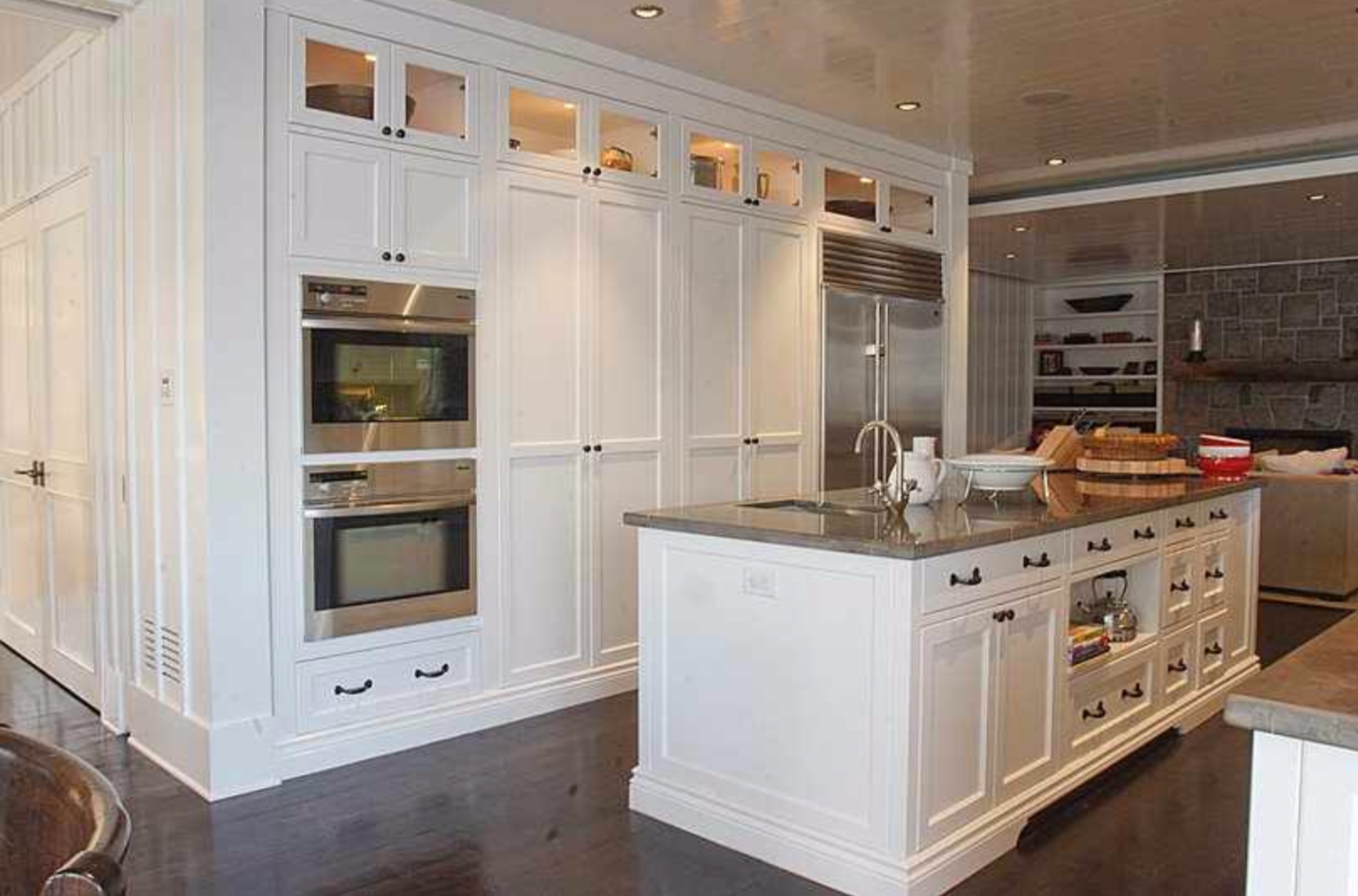 Best Way To Paint Kitchen Cabinets A Step By Step Guide 640 x 480