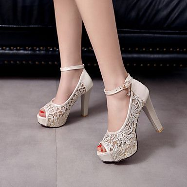 d62622390dd5 Falling in love with this gorgeous wedding shoes with a chunky heel! Click  to get yours  3