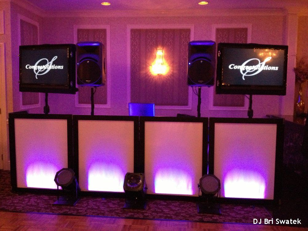 Hudson Valley Wedding Dj Bri Swatek Tv Setup Poughkeepsie Grand Hotel Wedding Dj Affordable Wedding Bands Hudson Valley Wedding