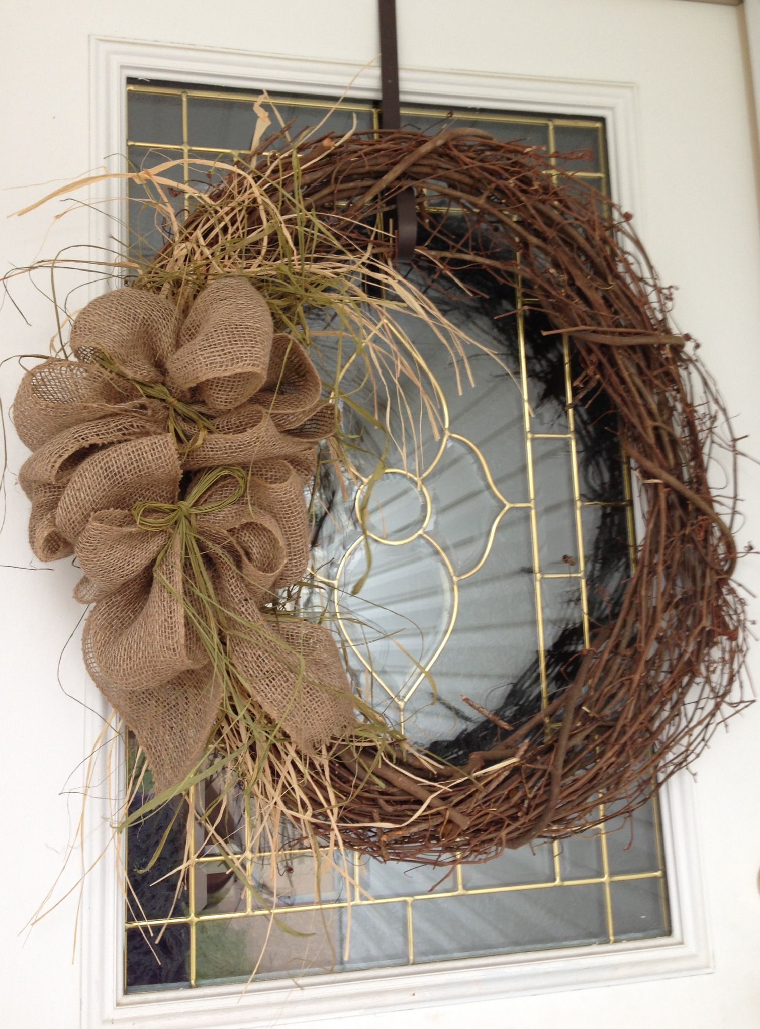 Rustic burlap wreath want to make one for our front for How to make christmas door wreaths