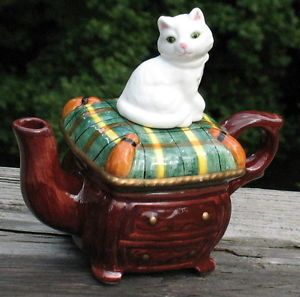 "Vintage Teapot White Cat Figurine Lid Sitting on Brown ""Chest"" Ceramic Mint"