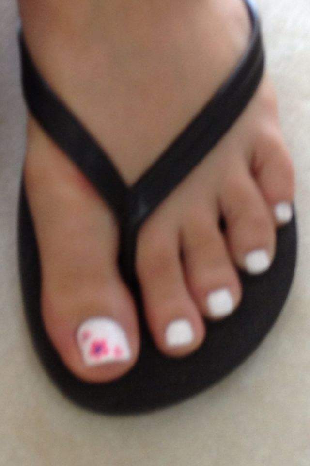 White Nail Polish Pops The Bright Colors Just Saw A Girl S Pedicure And Asked To Take A Pic Of