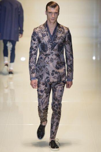 Gucci collezione uomo PE 2014   stampe floreali e hi-tech anche per l abito  formale 310fb2ff32de