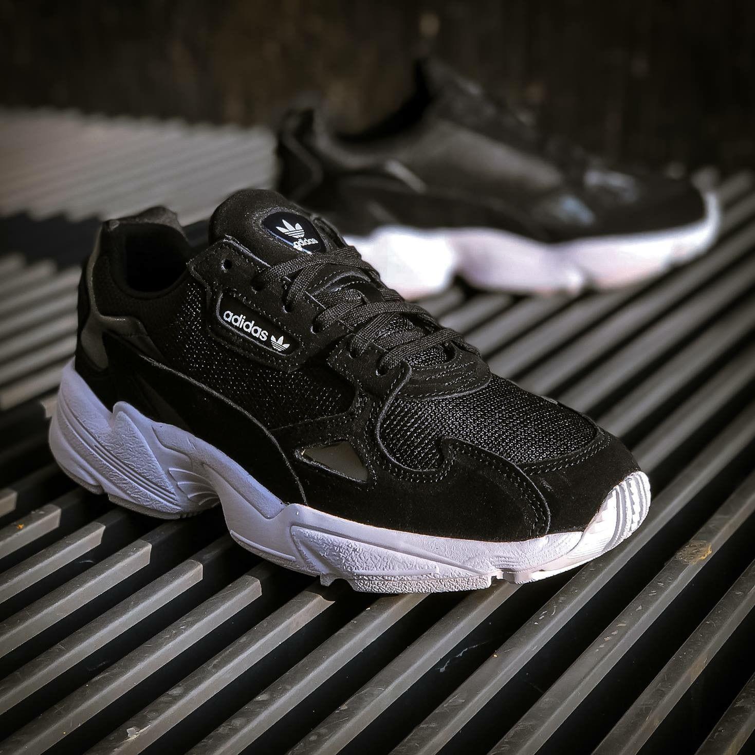 adidas Originals Falcon   Zapatos nike, Calzado nike, Zapatillas