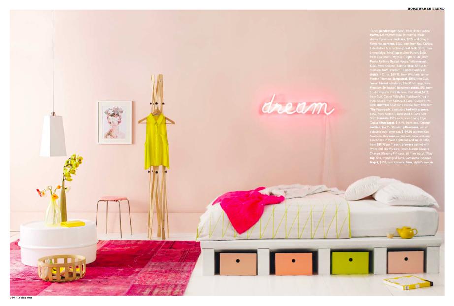 #Decor: #neon accessorized bedroom letrero.