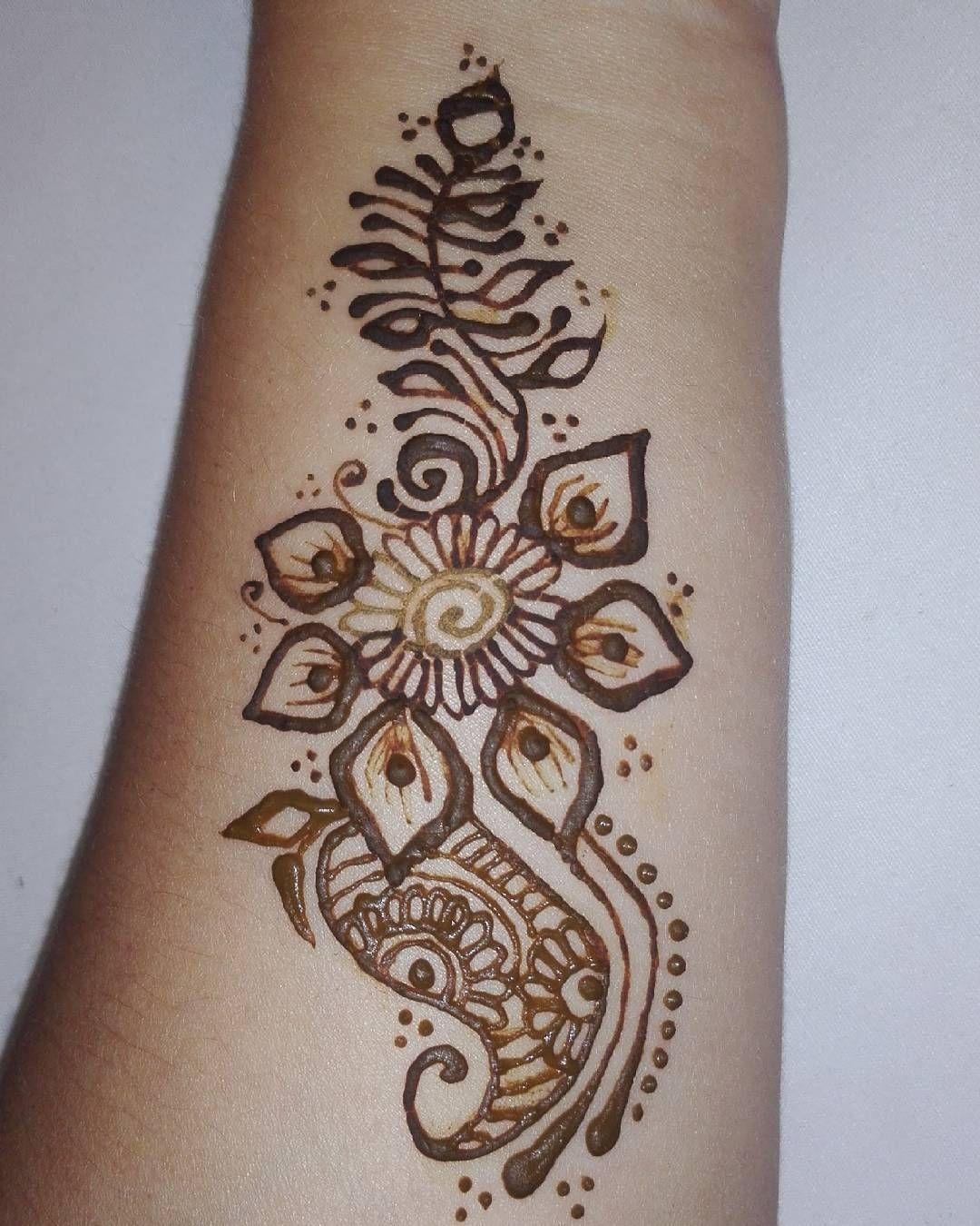 Atendiendo citas para Tatuajes temporal de Henna  Duracion de 7 a 12 días. Haz tu cita al 6983-0735 Tambien atendemos Fiestas de Cumple Quinceaños Despedida de Soltera Bodas Baby Shower Sesiones Fotográficas Lanzamientos Eventos Corporativos Ferias  #henna #hennatatoo #hennatattoos #hennalove #ilovehenna #hennalovers #tatuajesdehenna #tatuajes #tatuajetemporal #handdrawn #hand #arm #cool #chic #trendy #hechoamano #dibujadoamano #panama #hennartist #flower