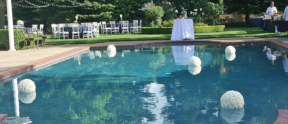 21 Wedding Pool Party Decoration Ideas For Your Backyard Wedding Backyard Weddings Wedding