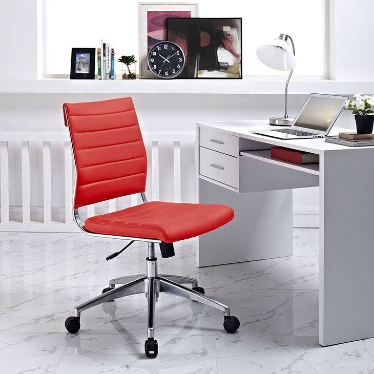 Back office pleasure