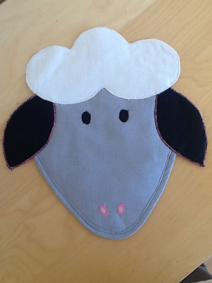 Sheep potholder from Vardenis Sewing