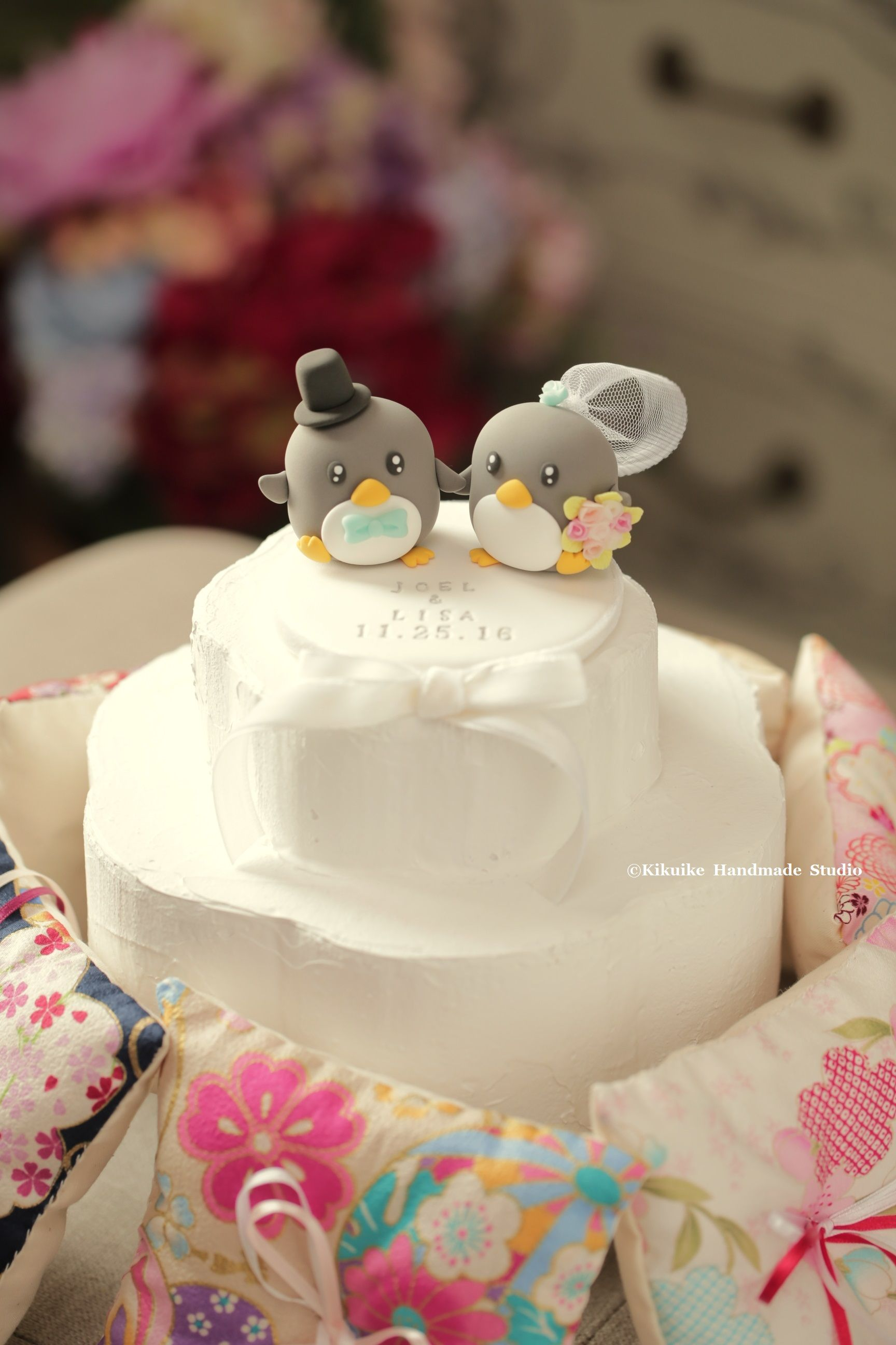 Lovely penguins bride and groom wedding cake topper, cute animals ...