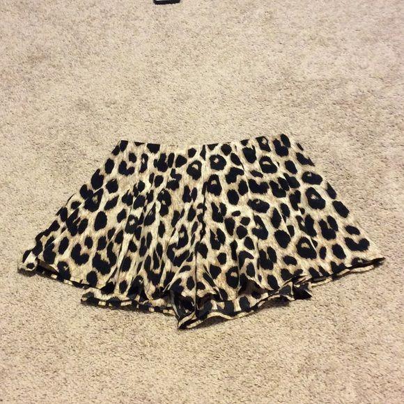 Cute cheetah shorts, high to mid rise Flowy shorts, cheetah print, worn once, high/mid rise, side zipper Shorts