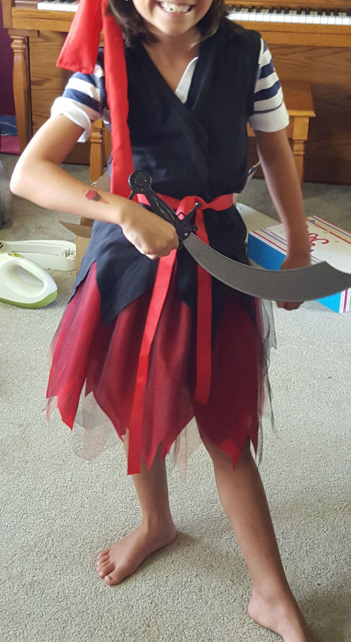 Pirate Party Ideas for Kids -Mom on the Move #diypiratecostumeforkids