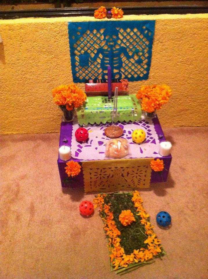 Mini Ofrenda Con Imagenes Decoracion Dia De Muertos Ofrendas