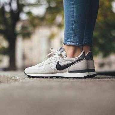 Nike women internationalist kr730 light bone  bd6edf354