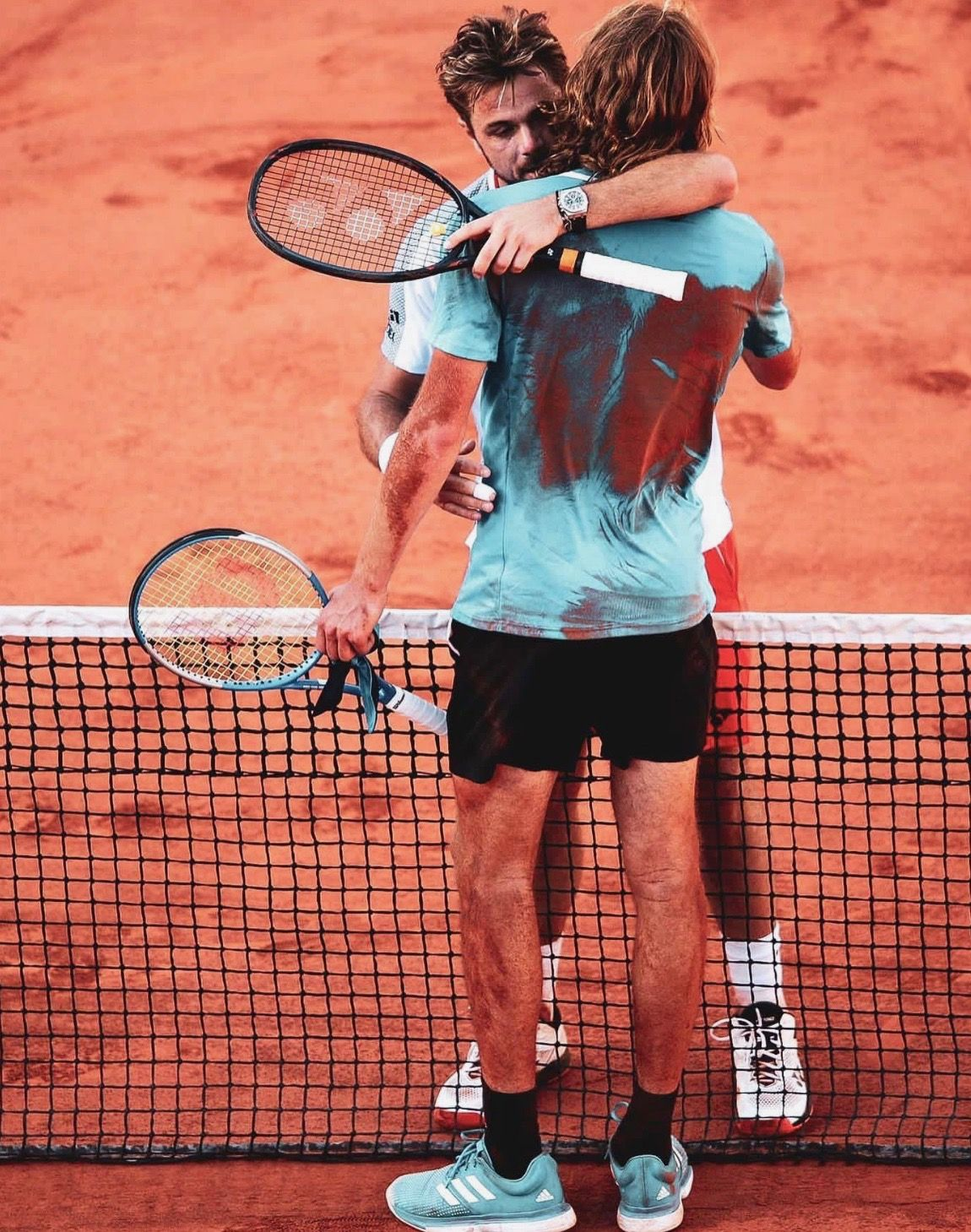 Stan Wawrinka And Stefanos Tsitsipas At The End Of An Epic 5 Setter At The 4th Round Of The French Open 2019 Tennis Stan Wawrinka Its A Mans World