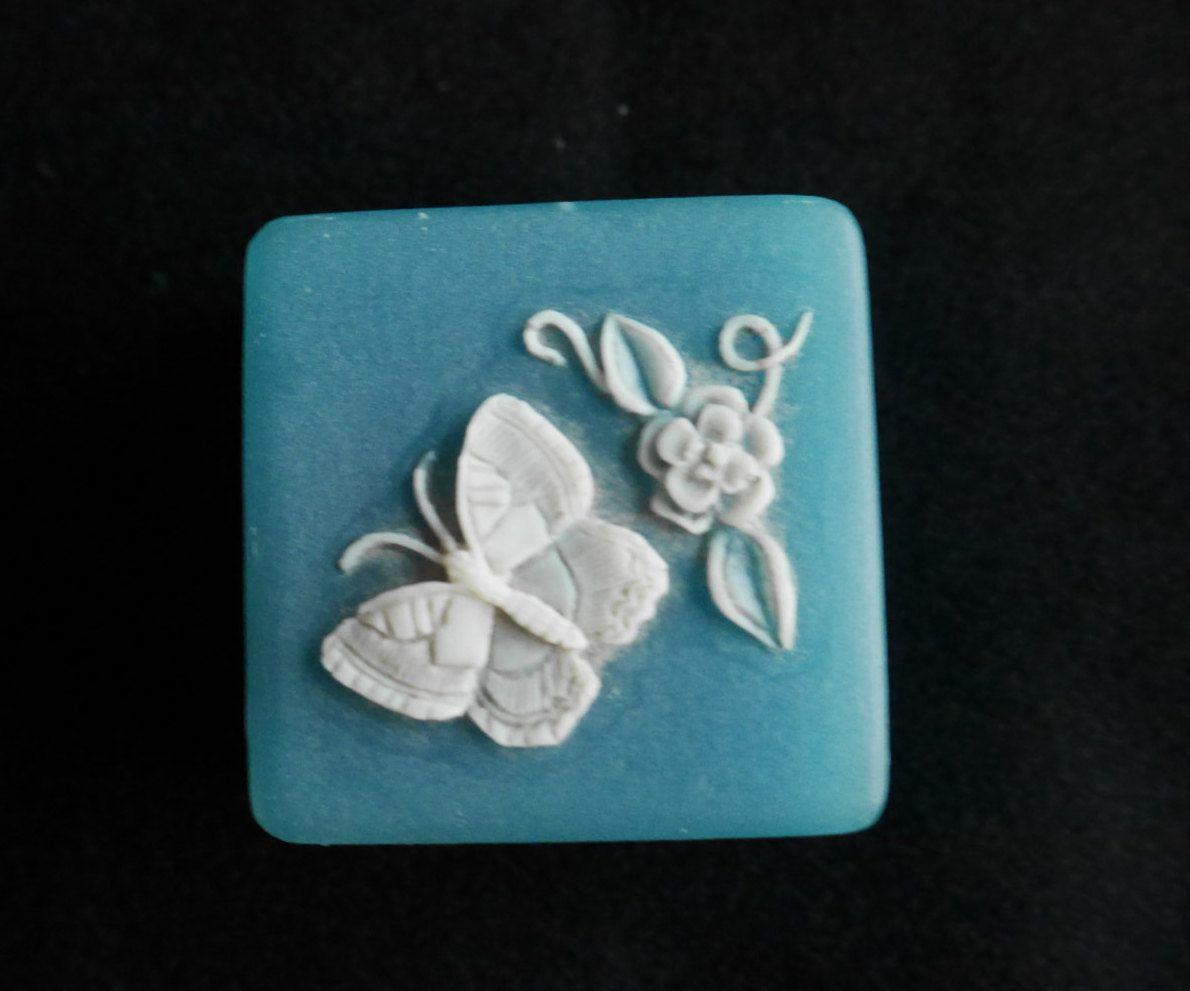 Butterfly Flower Trinket Box Soapstone Ring Presentation Box