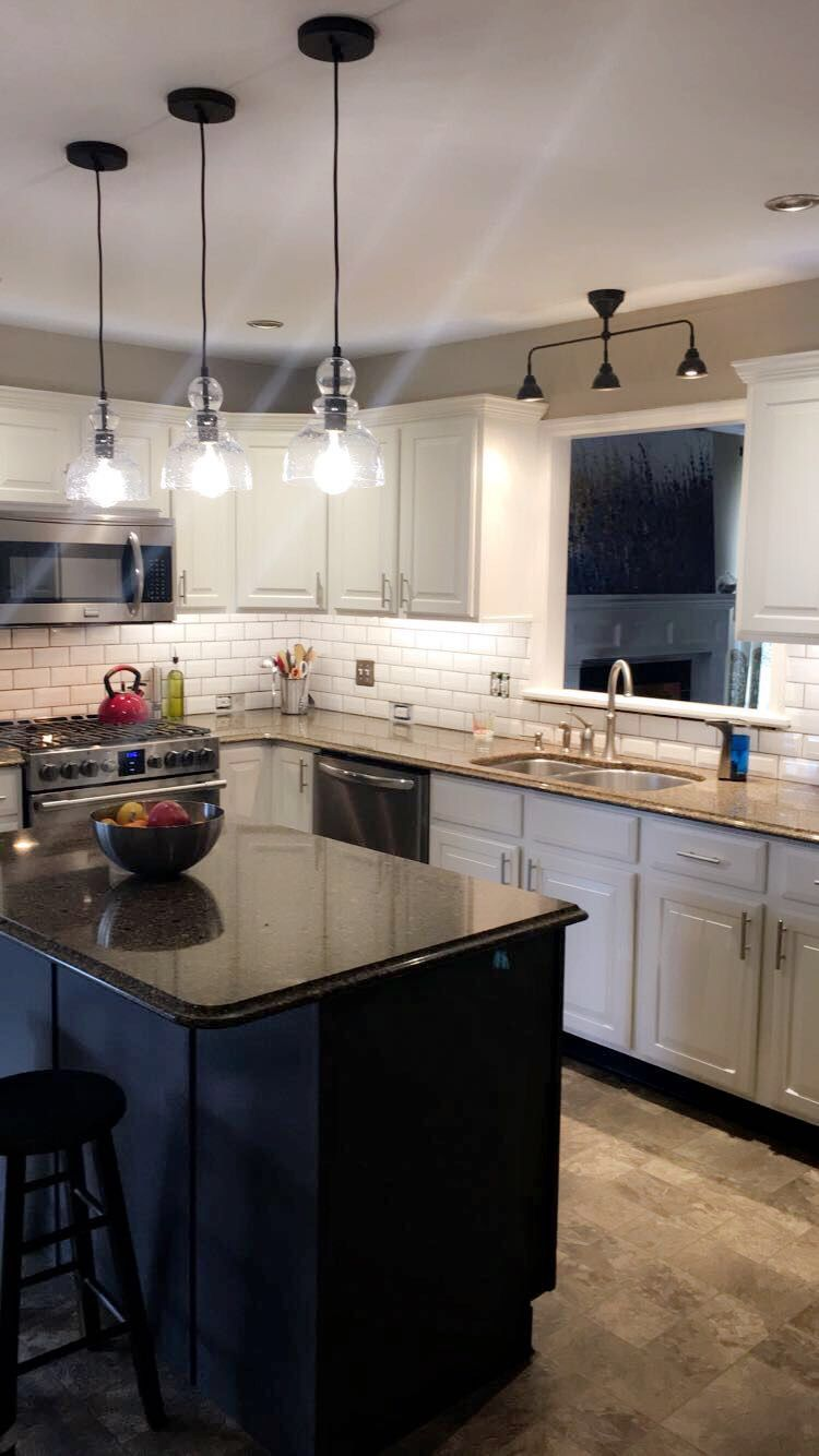 Sherwin Williams Alabaster Painted Cabinets With Beveled Subway