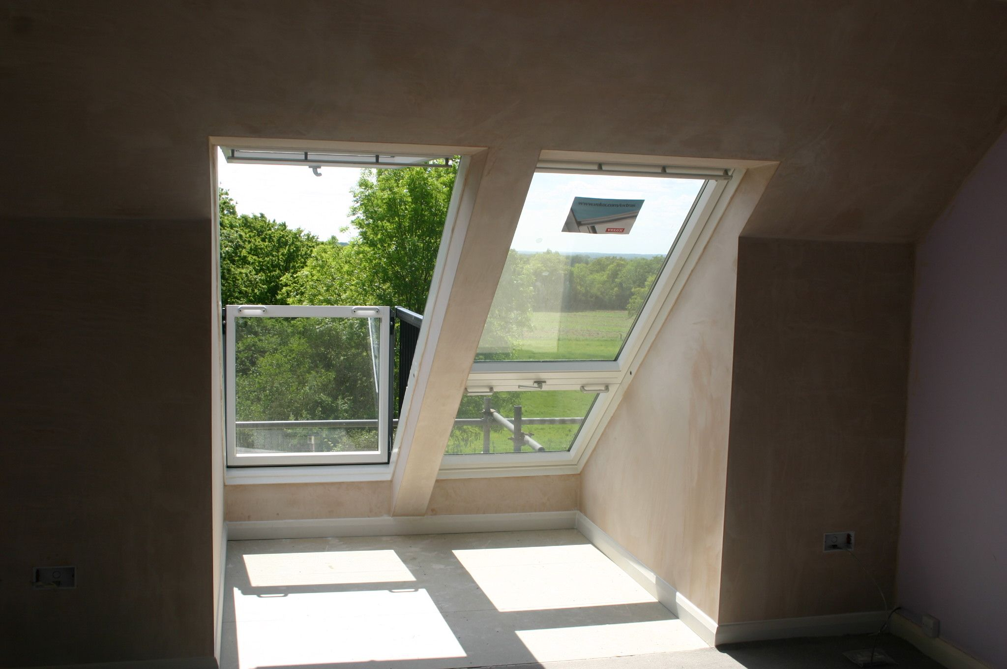 Velux balcony window spaces attics pinterest for Velux balcone