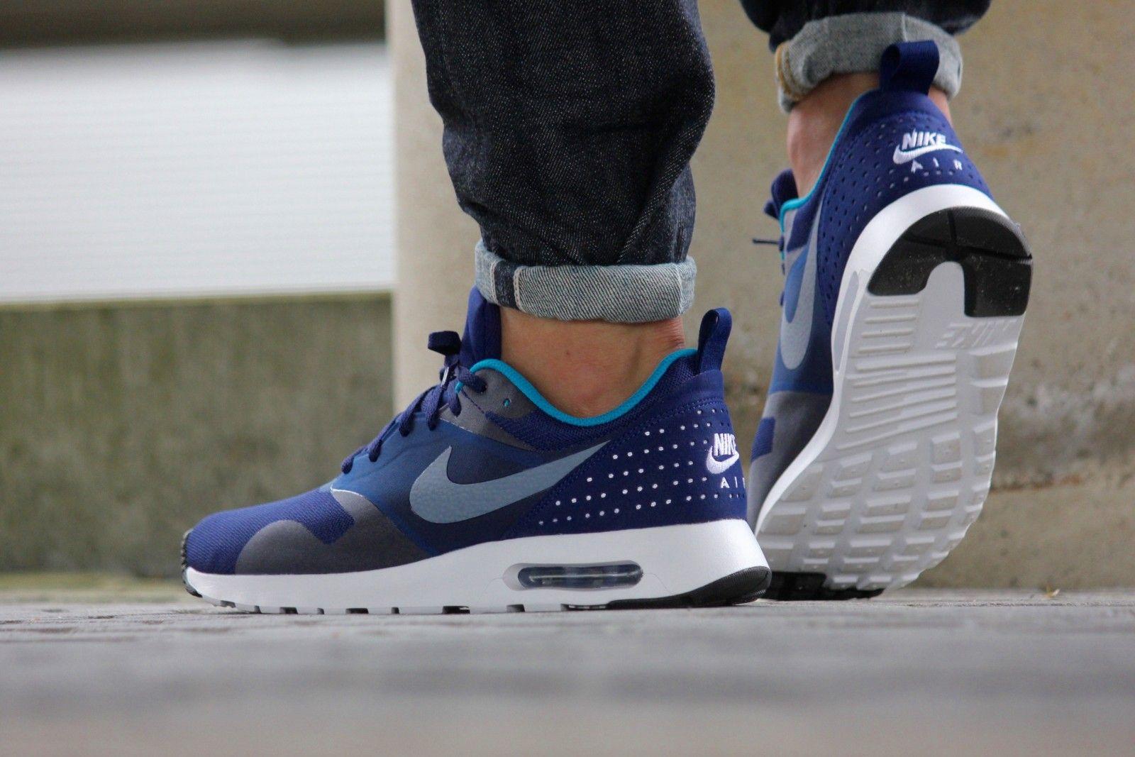 new concept 07c60 15d9e Hallo, Sehen Sie auf dem Preis!!! Herrenschuhe Nike Air Max Tavas, um das  Aussehen der klassischen Silhouette des legendären Lauf beziehen.