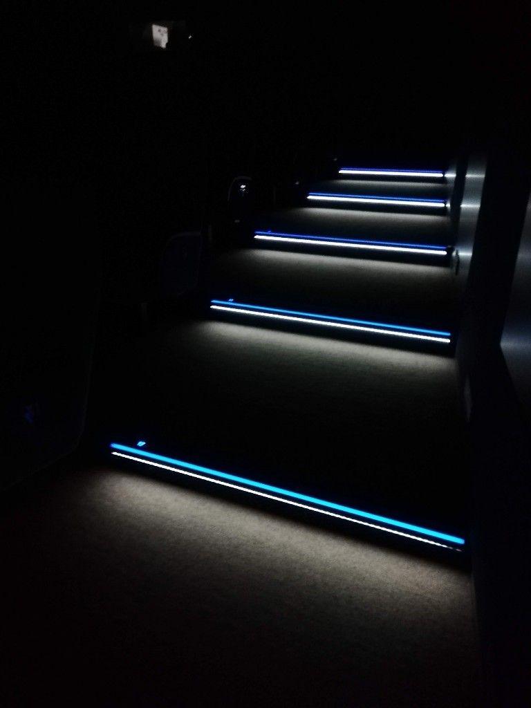 Www Bissinger Lights Com Stufenbeleuchtung Led Stufenprofil Stairnosing Steplights Aluminiumprofi Stufenbeleuchtung Treppenstufenbeleuchtung Beleuchtung