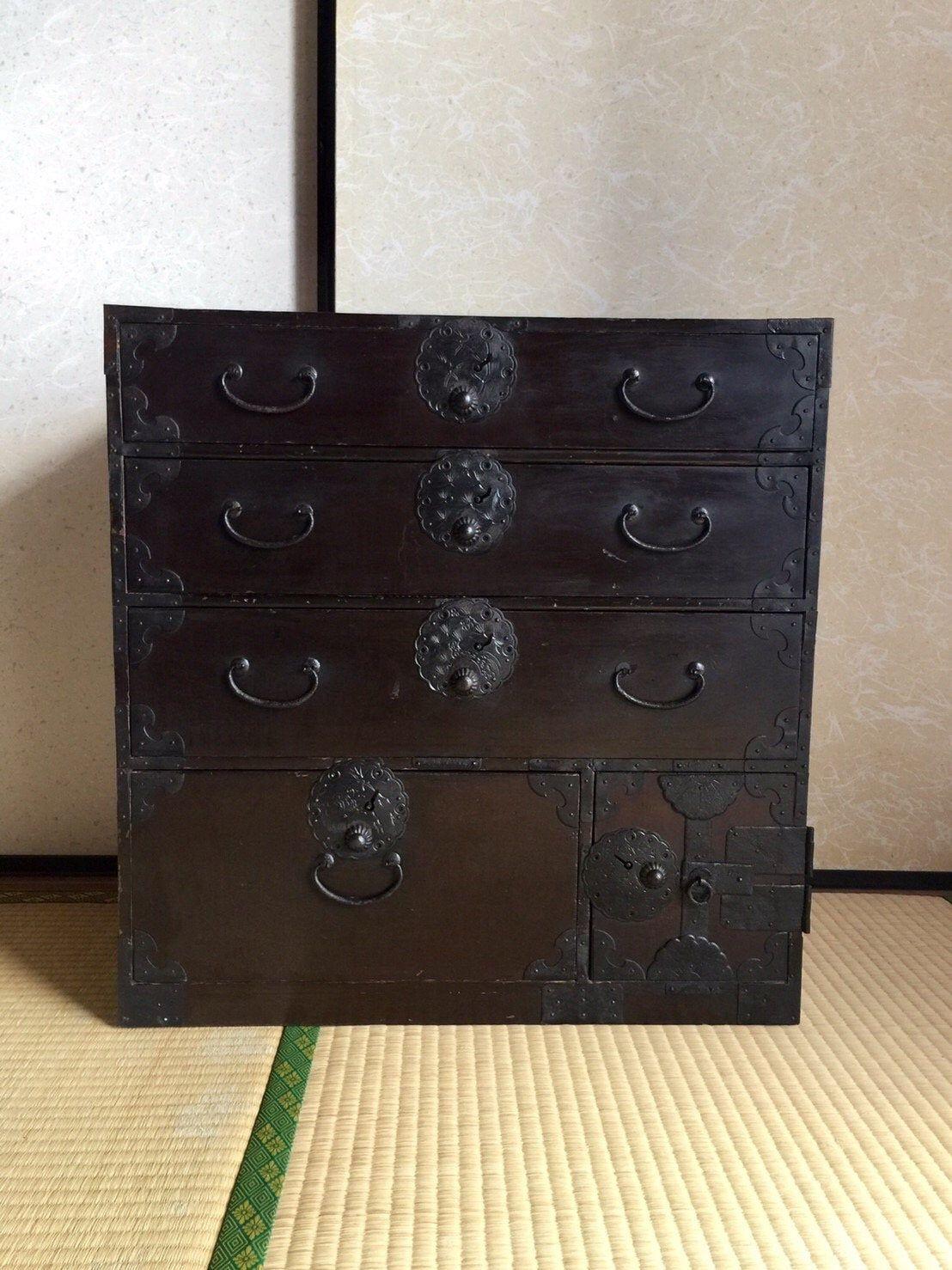 Epingle Sur Antique Wooden Furniture