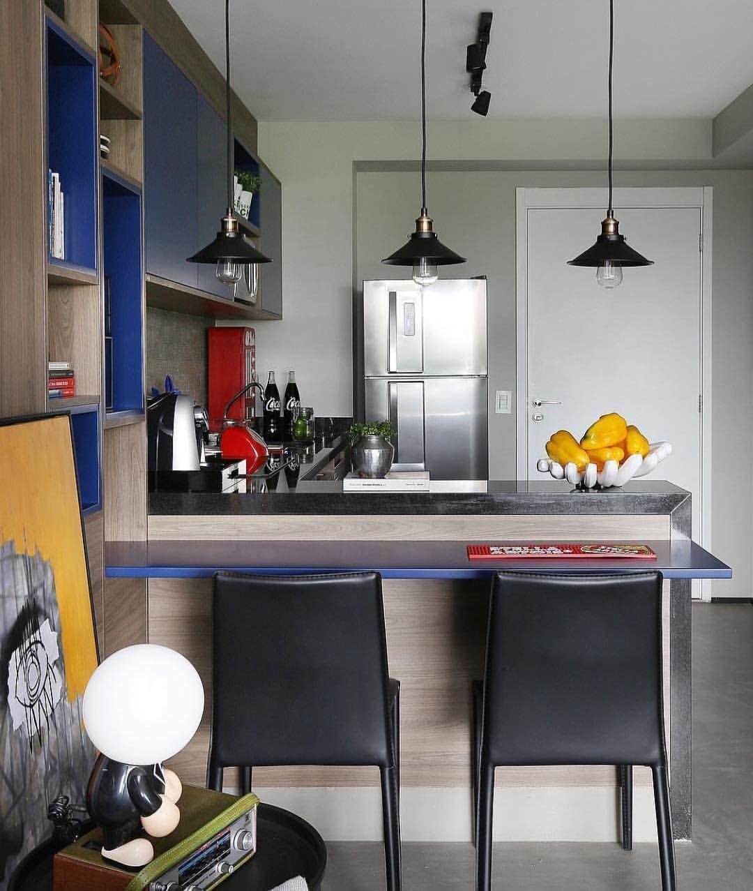 """491 curtidas, 12 comentários - @recebercomcharme no Instagram: """"Uma cozinha pequena pode ser funcional e estilosa, não? 😍😍😍 Morri de amores por essa fotografada…"""""""