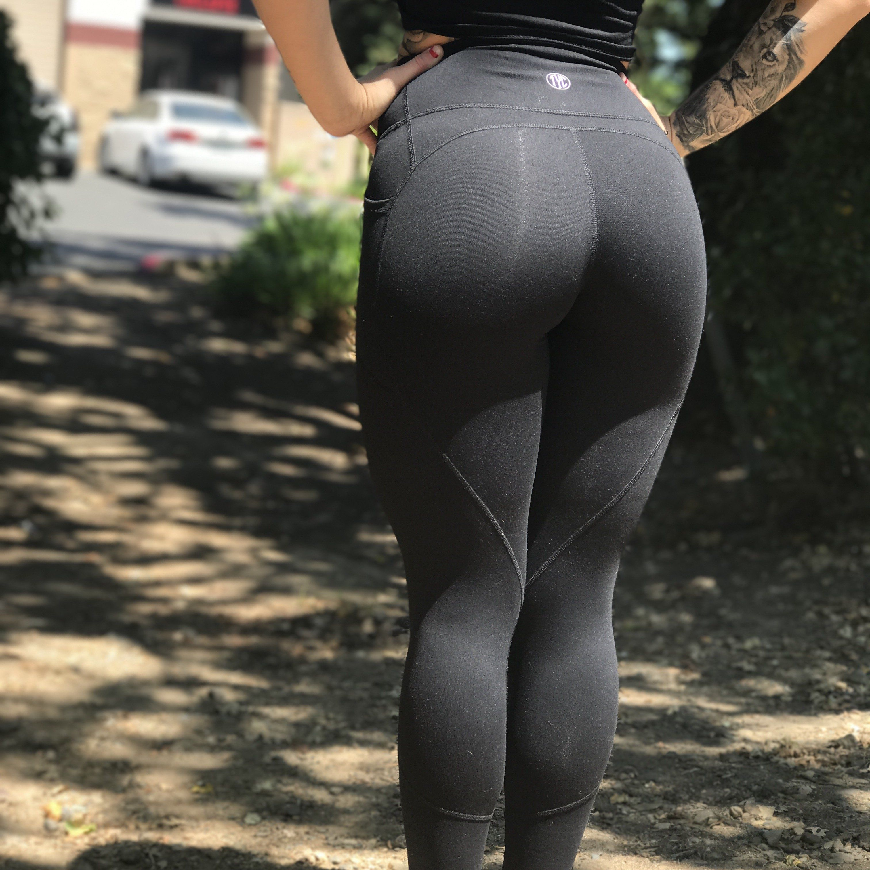 aefcf0f6e9501 Resilient Heart Booty Leggings- Black | Clothing to Buy | Black ...