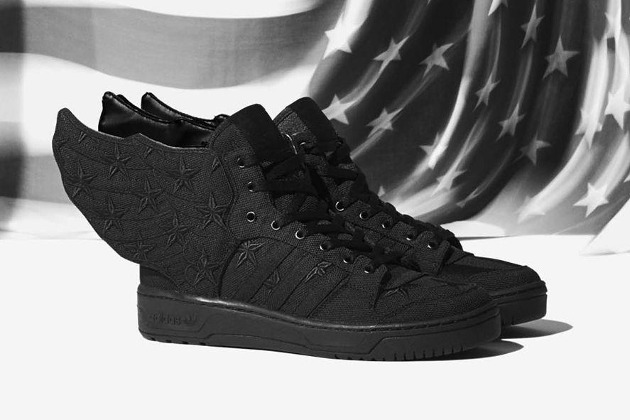 Zapatillas aladas de Adidas al más puro Astérix   Zapatillas
