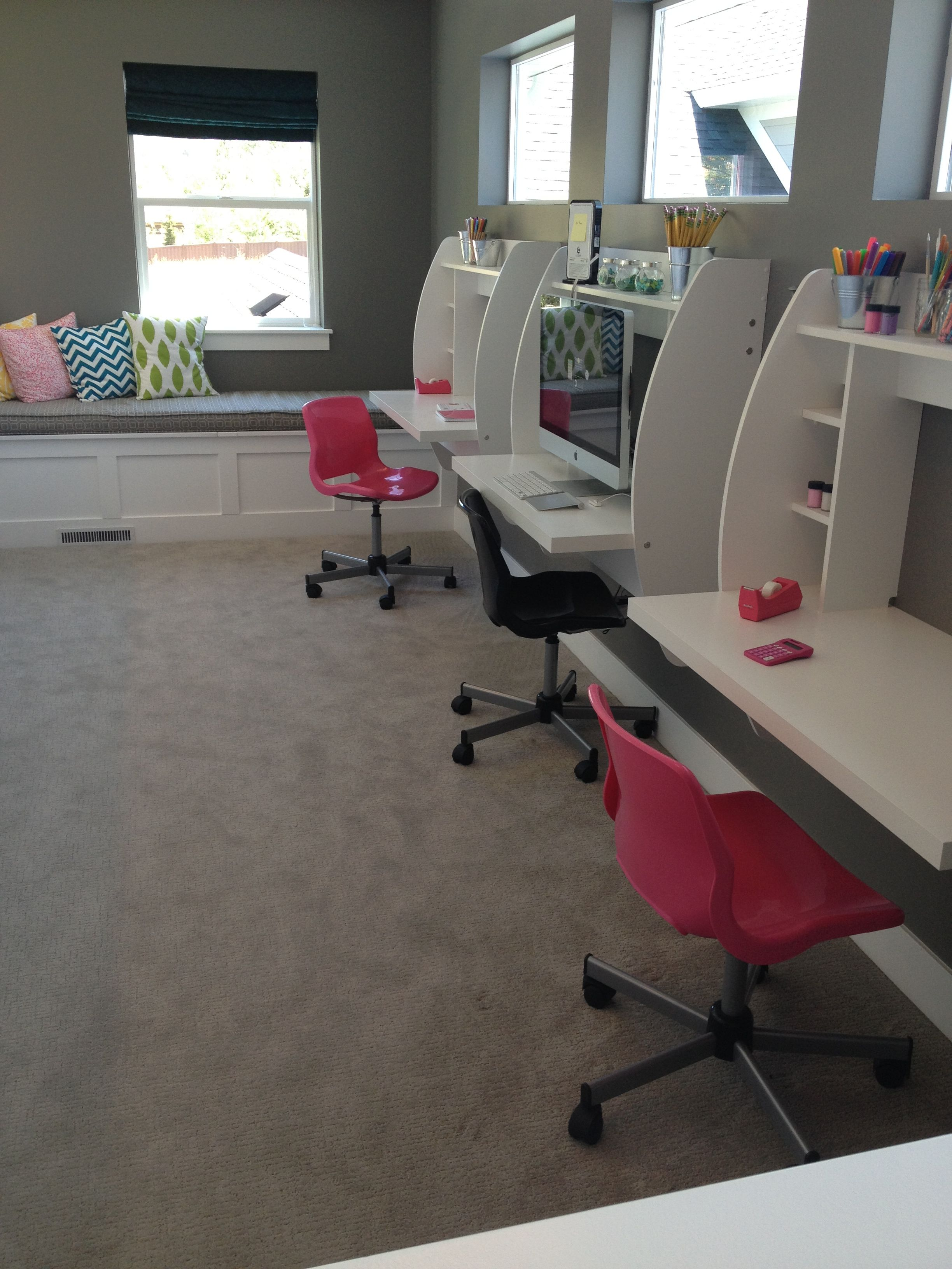 Basement Study Room: Kids Workspace, House Rooms, Home