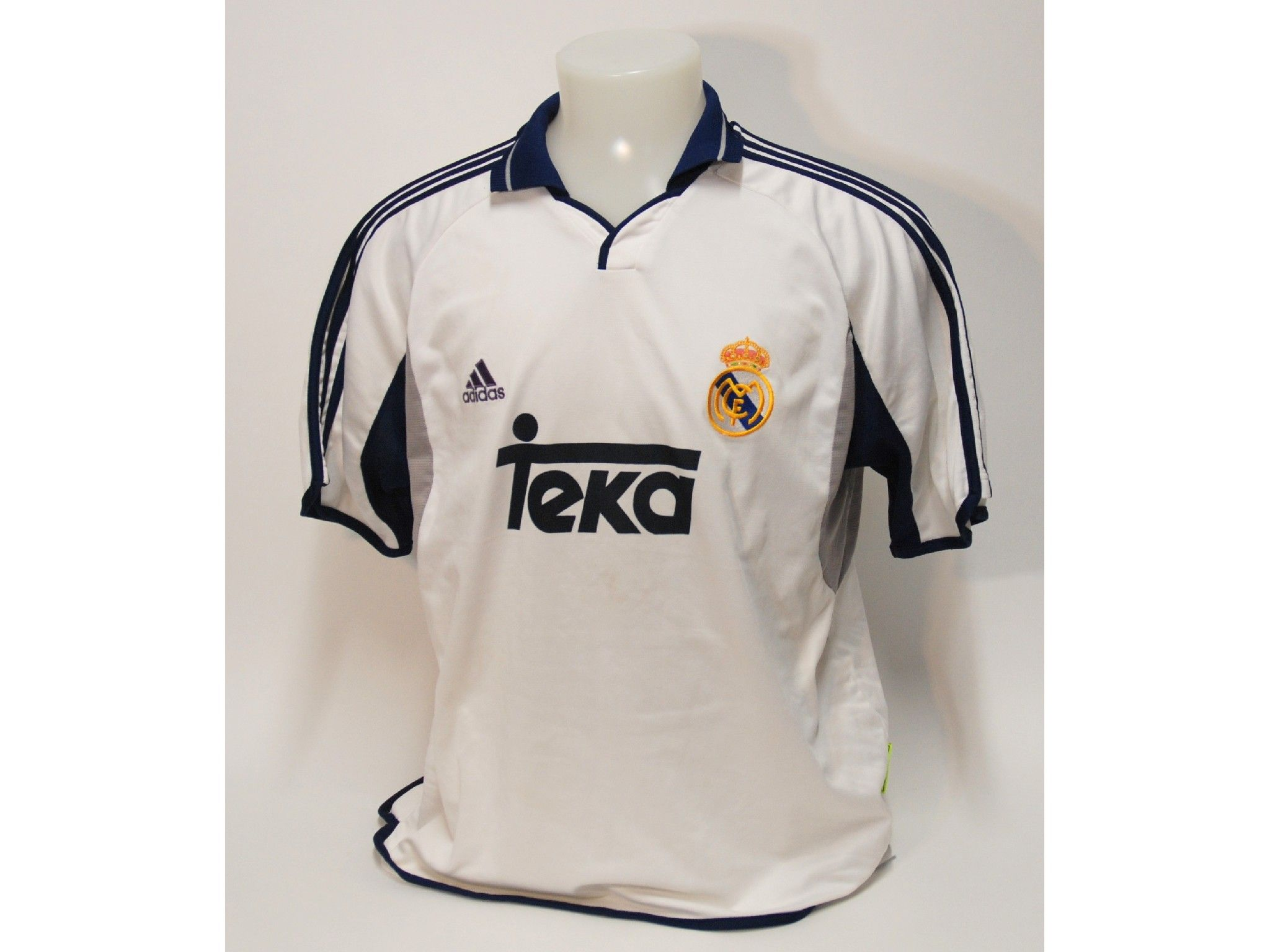 best loved dc35b 1ae8e Real Madrid. 2000 - 2001 Home. #adidas #real #merengue ...