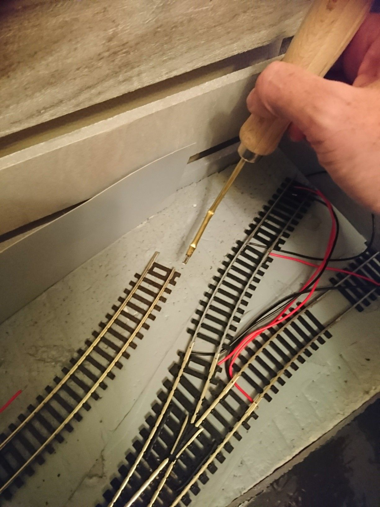 How To Easily Fit Rail Joiners Perfectly Everytime Model Trains Ho Train Layouts Model Railway Track Plans