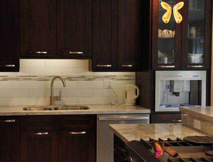 Sunridge Supply Can I Get A Bottle Of Red Wine With Those Dark Brown Cabinets Br Sunridge Supply Create And Install Beautiful Kitchen Cabinet Solutions For