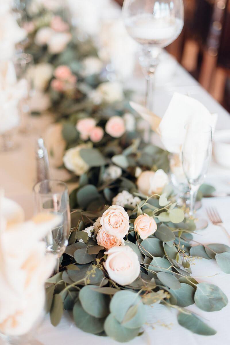 Elegant Shabby Chic Wedding Xo And Fetti Photography Knotsvilla Wedding Ideas Canada Wedding Blog Shabby Chic Wedding Flowers Shabby Chic Wedding Table Shabby Chic Party