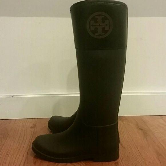 0c67d112b8f3 Tory Burch Classic Rainboots - never worn Never worn. Authentic Tory burch  rain boots. Tory Burch Shoes Winter   Rain Boots