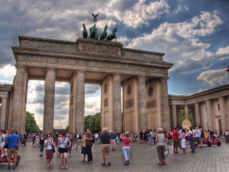Typology Of Kiez In Berlin Berlin Brandenburger Tor See