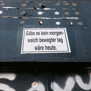 Weisheiten zur Abendstund. Fundort: Ganghofer Straße | #Neukölln. Auch eine NOTE entdeckt? Gerne einsenden an▶️notes@notesofberlin.com✌️ #notesofberlin