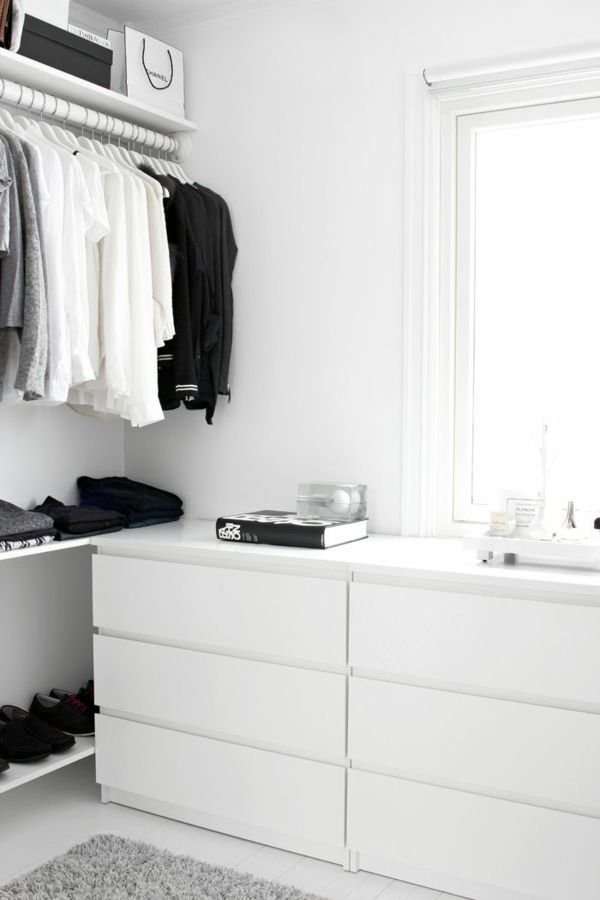 wie k nnen sie einen begehbaren kleiderschrank selber. Black Bedroom Furniture Sets. Home Design Ideas