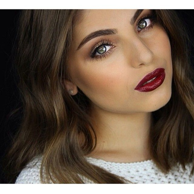 """You asked for light eyes & deep lips, you get light eyes & deep lips OBSESSED with this @kevynaucoin lipstick 'blood roses' #heidimakeupartist…"""