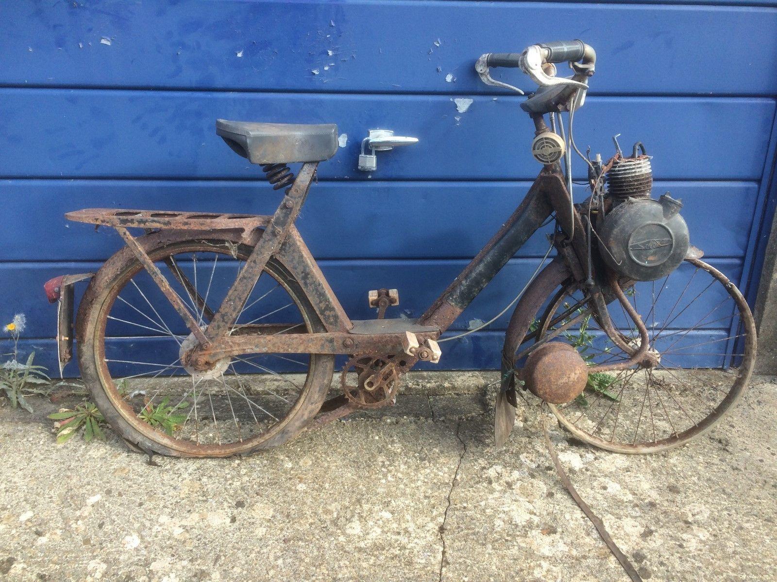velosolex moped barn find  https://t.co/K4hQFvHuuL https://t.co/S6NU9ZJZrv