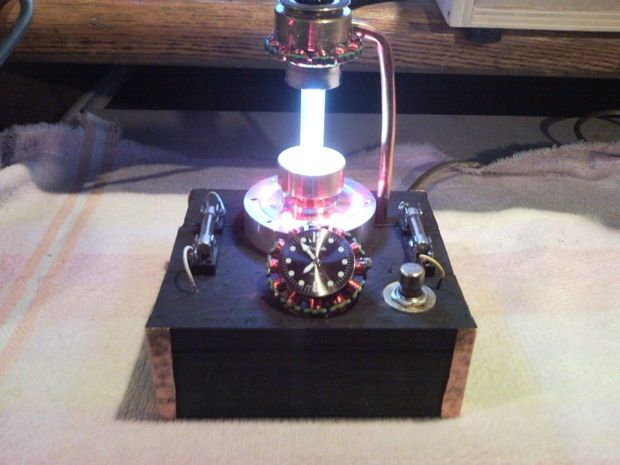 SteamPunked  USB LED desklight with clock