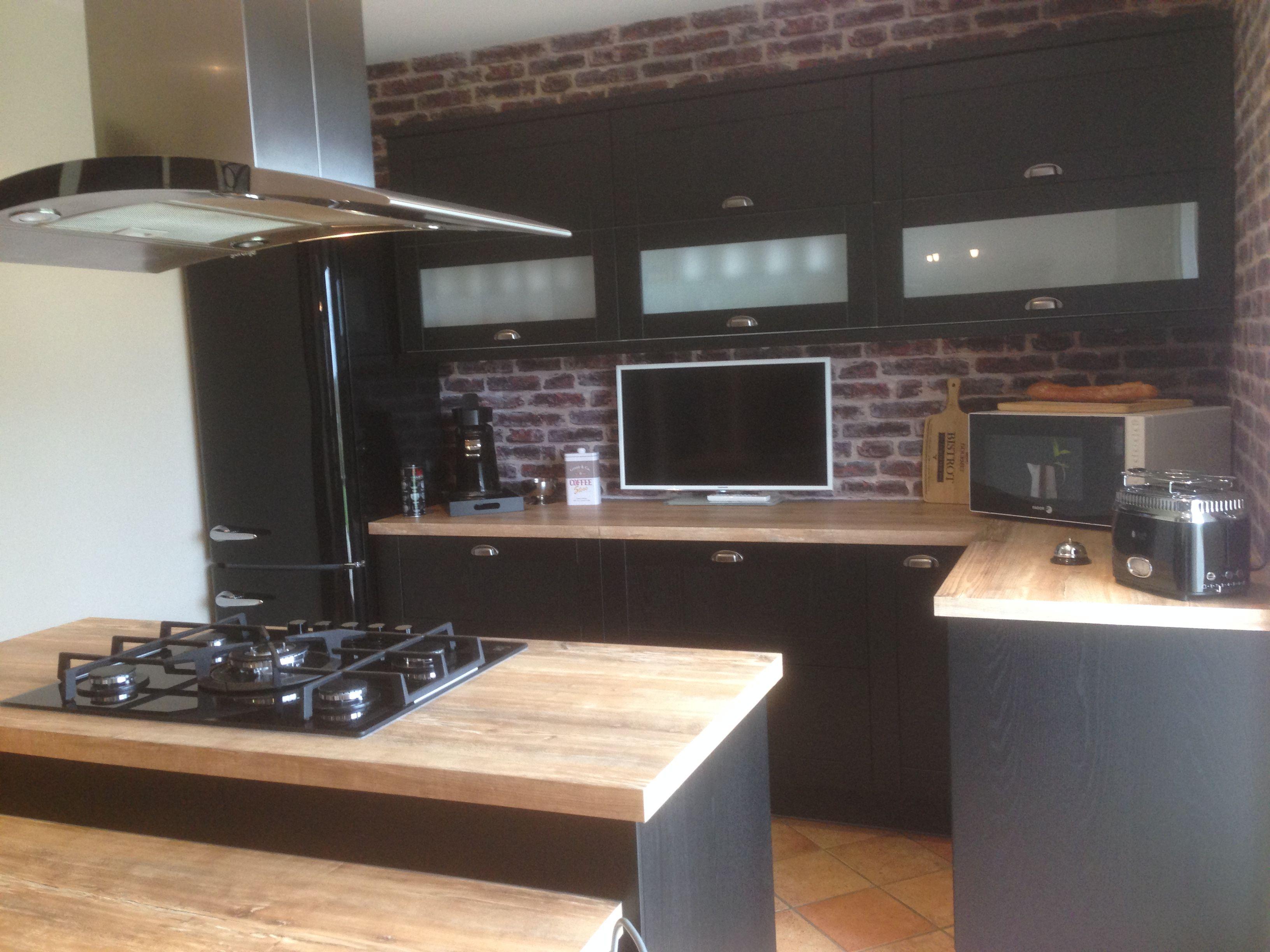 apr s plusieurs mois de r flection voici enfin mon projet r alis ma cuisine bistrot noire. Black Bedroom Furniture Sets. Home Design Ideas
