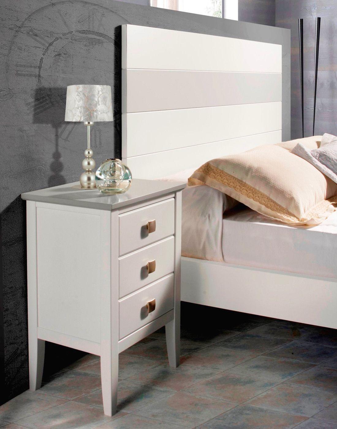 Dormitorio con cabecero lamas madera haya